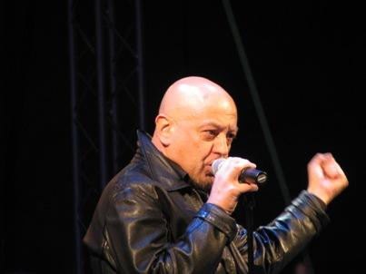 Enrico-Ruggeri-in-concerto