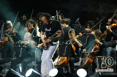 Dodi-Battaglia-alla-chitarra