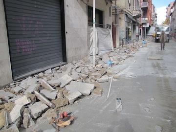 sopralluogo assessore Fiorilli su cantiere via Firenze per prima gettata di cemento04