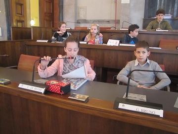 terza seduta odierna del Consiglio comunale dei bambini e delle  bambine01