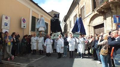 """Spoltore, Pasqua 2013: """"La madonna che corre"""""""