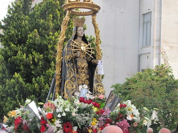 Madonna dei sette Dolori e fiori