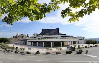 Nuovo santuario S.Gabriele , esterno