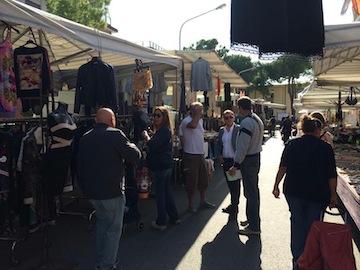 Pescara,Cuzzi visita il mercato di Piazza Duca