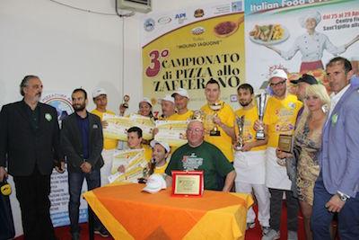 Campionato pizza allo zafferano, foto di gruppo dei premiati38