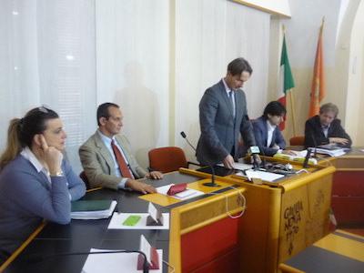 foto sindaco con presidente EcoTeDi (secondo da sinistra)