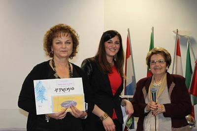 Domizia Sciarretta, a sx, con assessore Palozzo e Mira Cancelli
