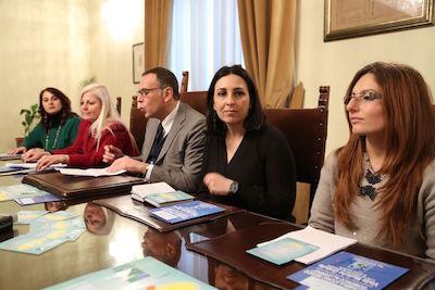 presentazione Gruppi di mutuo aiuto per le vittime della crisi economica