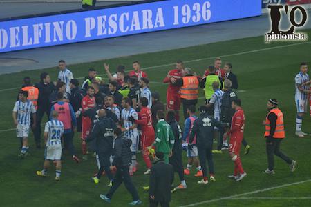 rissa fine partita Pescara-Ascoli