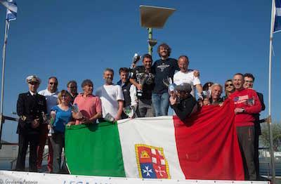podio con Davide Fontana