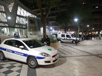 controlli in Piazza Muzii a Pescara