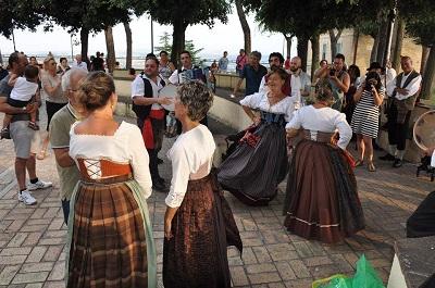 Dall'Etna dal Gran Sasso danze