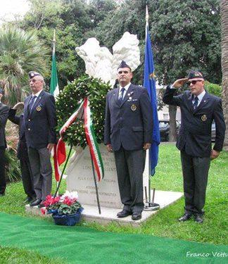 Cerimonia al Monumento dell'aviatore