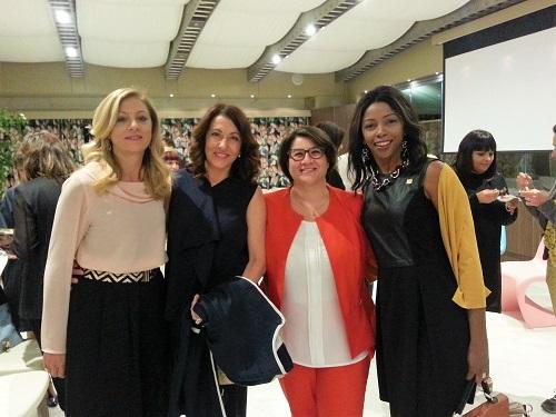 Da sinistra, la produttrice Elisa Mucci; imprenditrice del Wedding; la sindaca di Torino di Sangro Silvana Priori e Jenny Viant Gomez delegata Le Donne del Vino