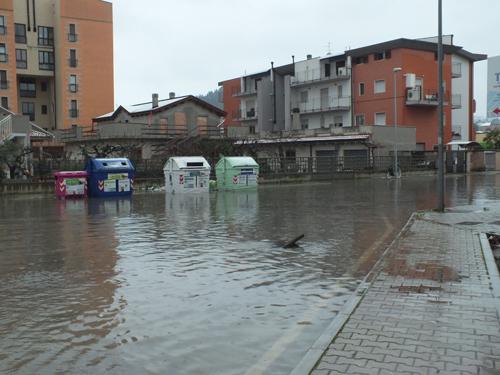 Maltempo, la situazione a Pescara. Chiusi parchi, cimiteri e alcune strade