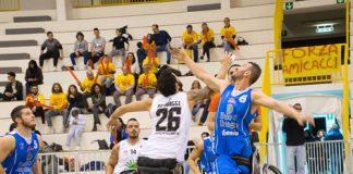 Basket, Dinamo Lab Banco di Sardegna-DECO Group Amicacci 46-72