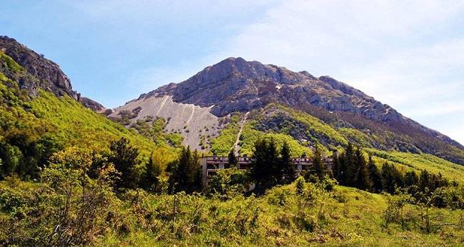 escursione sulla cresta del monte porrara in abruzzo