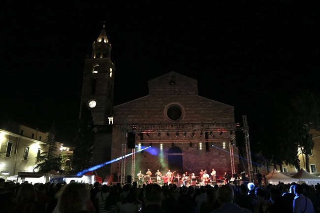 Ball e Sone Festival del Saltarello_Teramo