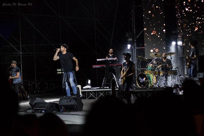 Fabrizio Moro live a Pescara: le foto del 30 giugno 2017