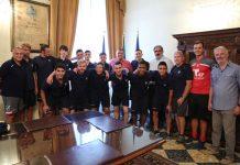 Giovani calciatori USA in visita a Palazzo di Città