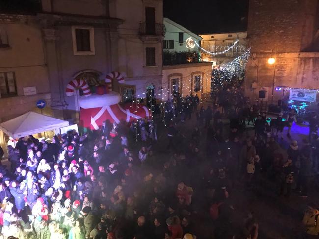 Castel Frentano, grande partecipazione per il Villaggio di Babbo Natale