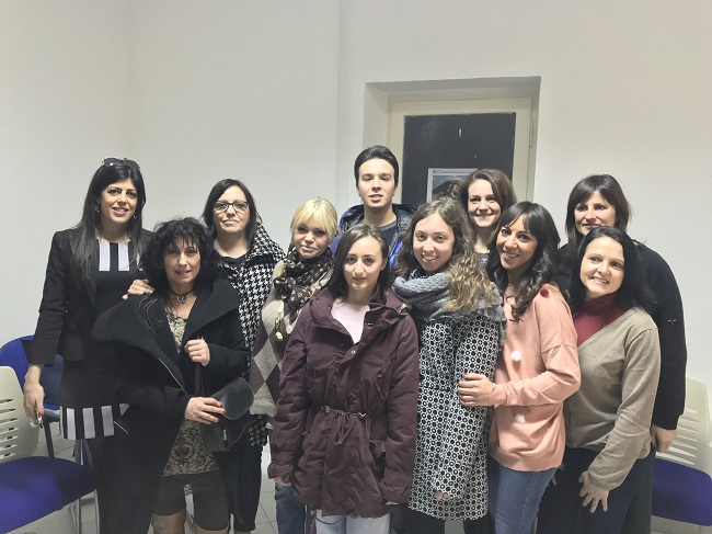 """Visita degli studenti del """"Zoli""""di Atri al Centro """"La Fenice"""""""