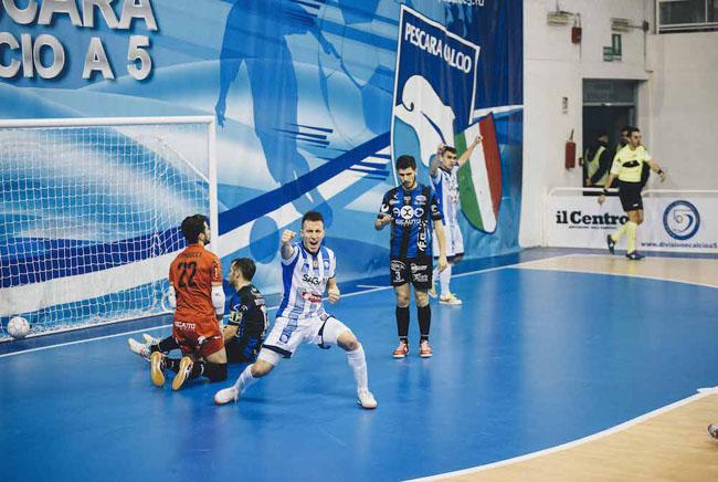 C5 Pescara - Latina 14-4: gol e spettacolo al PalaRigopiano