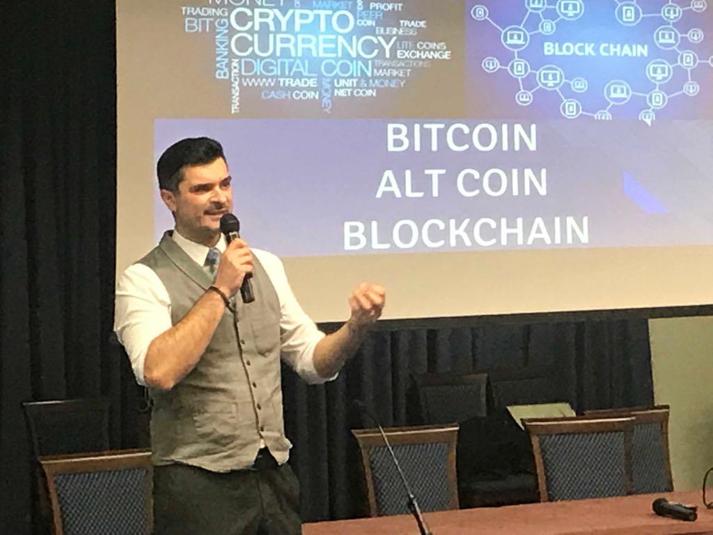 Seminario bitcoin e blockchain: sala gremita all'Università D'Annunzio