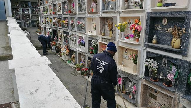 migranti cimitero Montesilvano