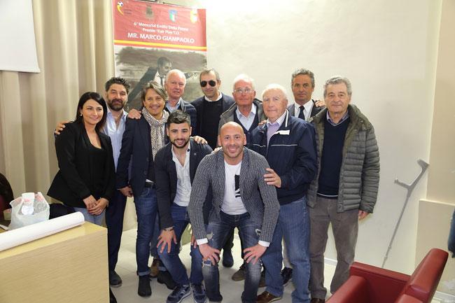 Marco Giampaolo con lo staff del Torneo Emilio Della Penna