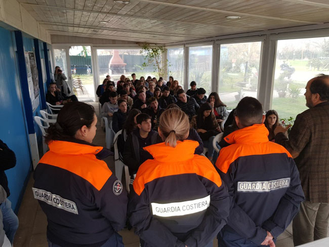 Pescara giornata dedicata mare studenti De Cecco