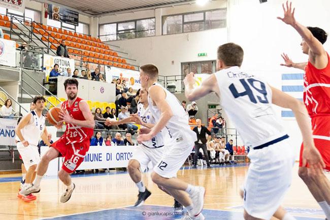 Successo esterno per Teramo Basket nel derby con Ortona