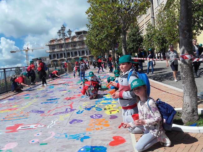 bambini street art su celiachia