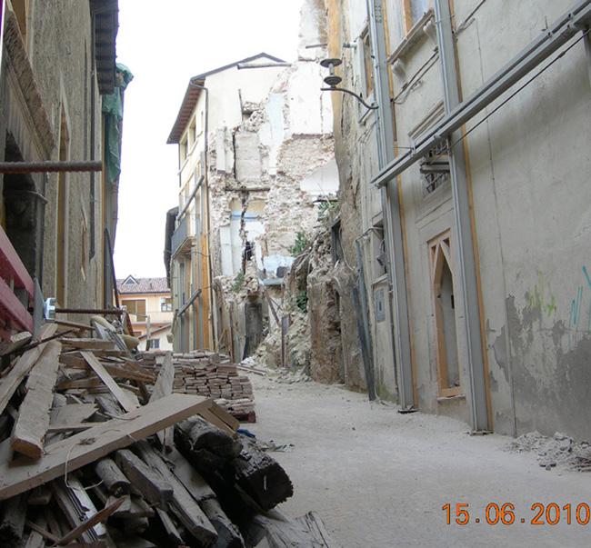 L'Aquila via Cascina diario trenta ore sisma