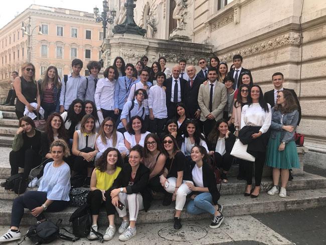 studenti Delfico di Teramo incontrano ministro Bussetti