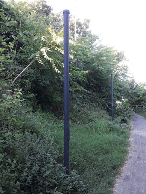 Montesilvano colle alcuni vandali rompono le nuove for Nuove lampade a led