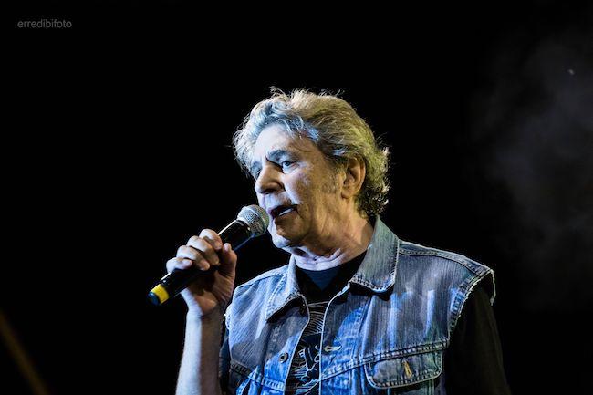 Fausto Leali in concerto a Roseto: foto e scaletta dei brani