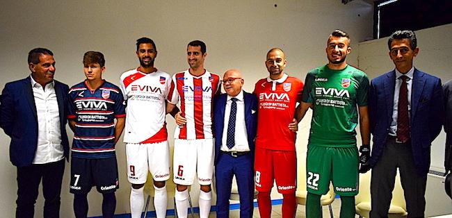 presentazione maglie Teramo Calcio