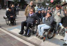 manifestazione empatica sindaco in carrozzina
