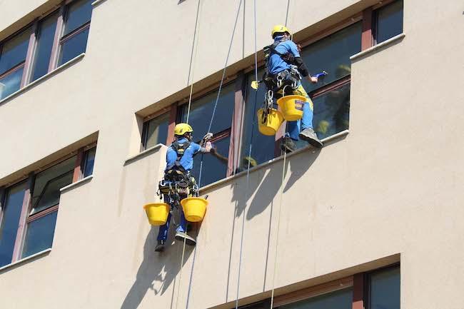 pulizia vetrate Di Marzio Michetti