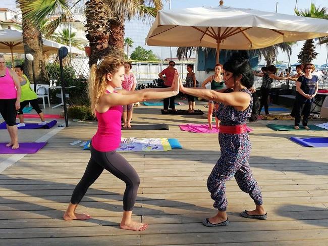 summer yoga Martinsicuro