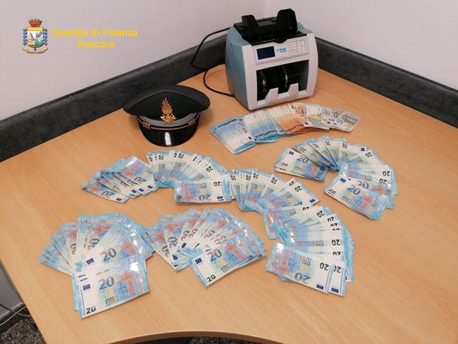 banconote false sequestrate