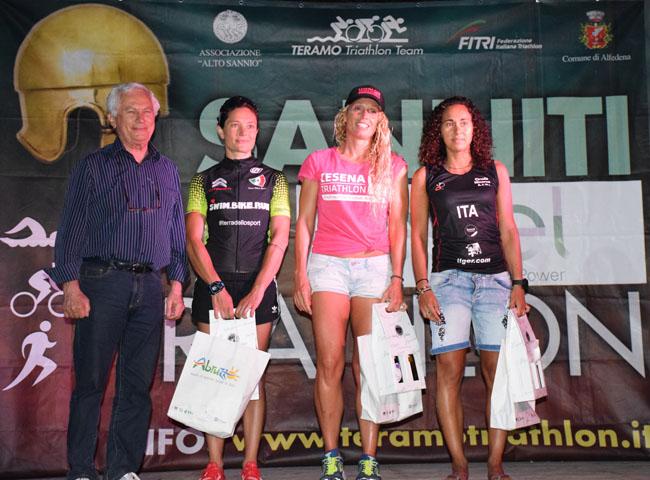 podio donna triathlon sanniti 2019