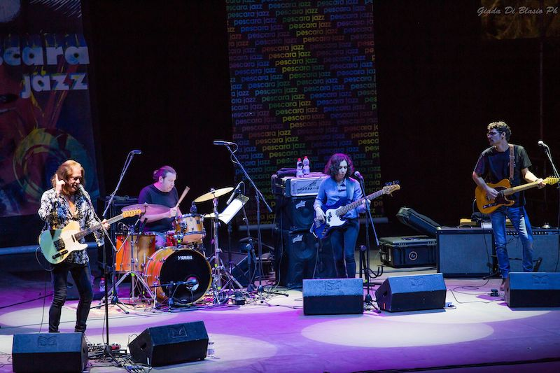 La fotogallery del concerto di Robben Ford per Pescara Jazz