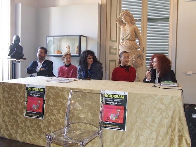 conferenza mostra soyle yil mayry