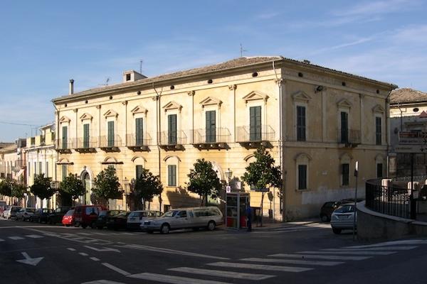 palazzo mayer fossacesia
