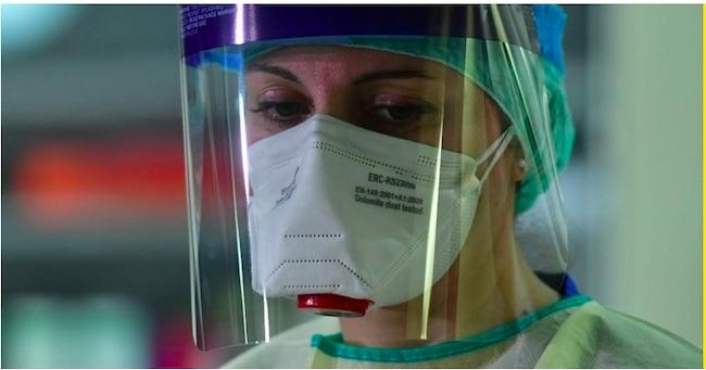 infermiere mascherina