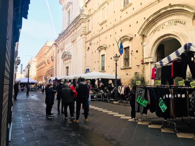 mercato centro storico chieti