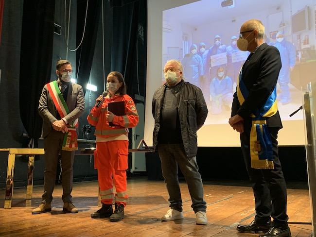 Il Sindaco, Carla Leone della Croce Angolana, l'Assessore alla Sanità Maurizio Valloreo e il Presidente del Consiglio Comunale, Antonio Plevano