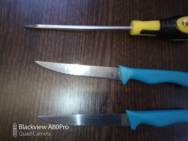 coltelli e punteruolo
